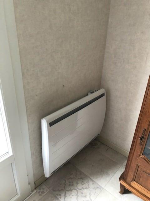 Installation par notre électricien de radiateurs à inertie à La-Jarne.