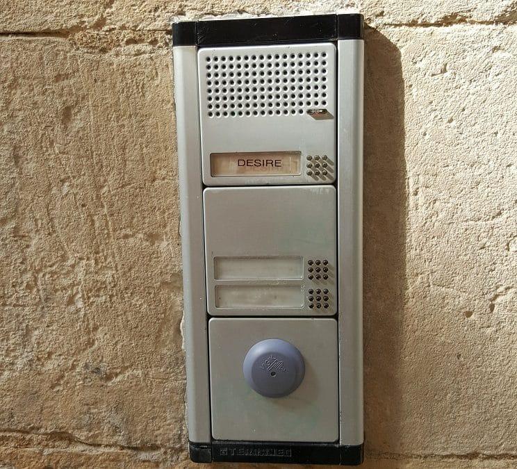 Installation de Badges vigik dans une copropriété à La Rochelle en hyper centre ville.