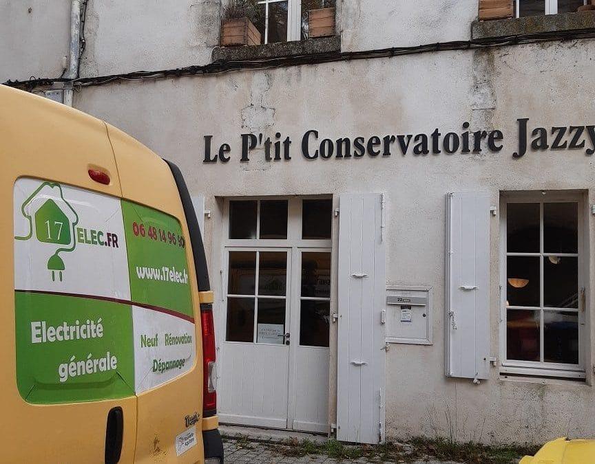 Pose de radiateurs à inertie pour le petit conservatoire de musique à La Rochelle