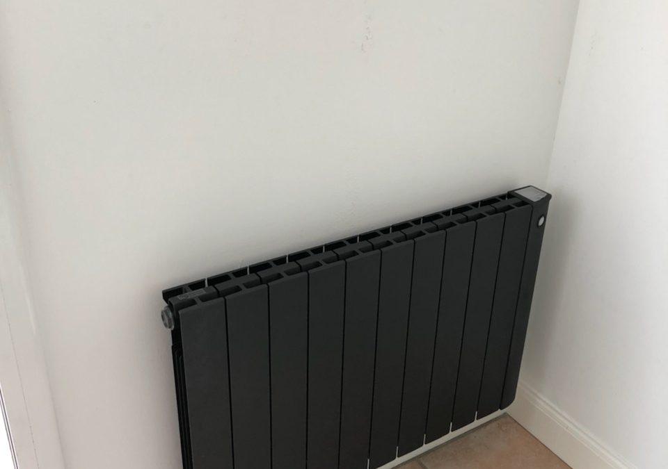 Découvrez la gamme Osily Ketsch de radiateurs par notre électricien de La Rochelle.